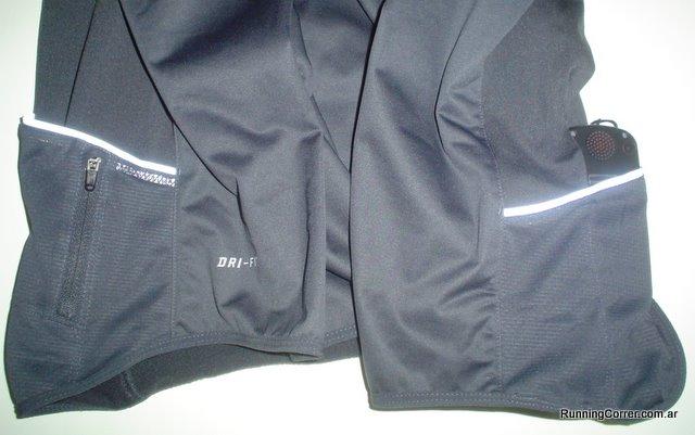 Campera Nike con múltiples bolsillos