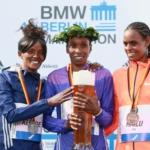 Maratón de Berlín 2015 - Las chicas celebrando con cerveza