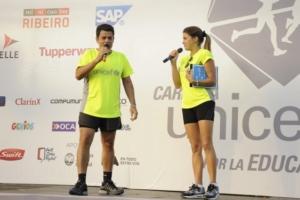 Carrera UNICEF por la Educación Buenos Aires 2015 - Julián Weich y la actriz Natalie Pérez
