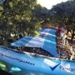 Lla carrera Fiestas Mayas 10K - 10 mil personas desplegaron la bandera de aliento e hicieron más