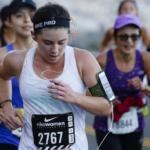 Media Maratón Nike Women San Francisco 2015 Mujer enfocada en correr las colinas