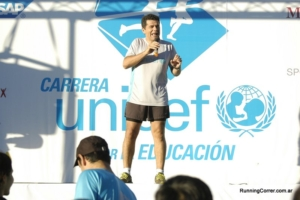 Carrera UNICEF 2014 bsas - Julián Weich conduciendo