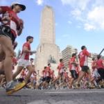 El Monumento a la Bandera de fondo - Carrera Unicef Rosario 2016