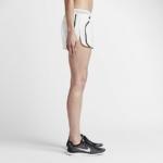 Short Nike Running Aeroswift 5 cm para mujer color blanco