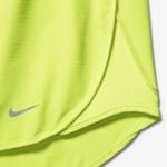 Short de running de 7,5 cm Nike Dry Modern Tempo para mujer - panel de malla