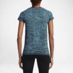 Camiseta mangas cortas para correr Nike Dry Knit para mujer color azul - detalle reflectante posterior
