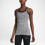 Camiseta de tirantes de running Nike Dry Knit para mujer color gris - detalle reflectante delantero