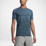 Camiseta mangas cortas para correr Nike Dry Knit para hombre color azul - detalle reflectante delantero