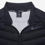 Chaqueta Nike Aeroloft Running para correr de hombre - detalle de los agujeros láser y aislante de plumas de ganso
