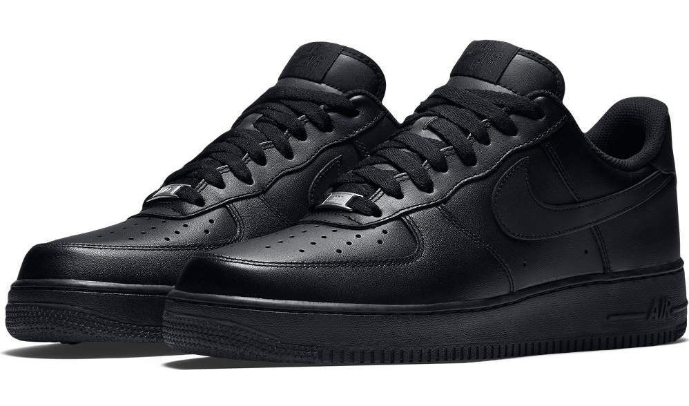 36fe74dee Zapatillas Nike Air Force 1 triple negras