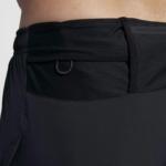 Short Nike Distance 2 en 1 2018 para hombre - detalle cable anilla para llaves