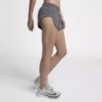Short de running Nike Elevate de 8 cm para mujer