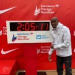 Mo Farah con su récord europeo en la Maratón Chicago 2018