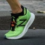 Koen Naert con zapatillas New Blance pero con suela Nike Vaporfly 4%