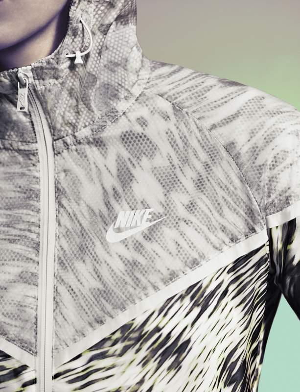 Nike Tech Pack Hyperfuse Windrunner Mujer