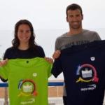 Los hermanos y triatletas barceloneses Cesc y Anna Godoy presentan las camisetas del Garmin Barcelona Triathlon