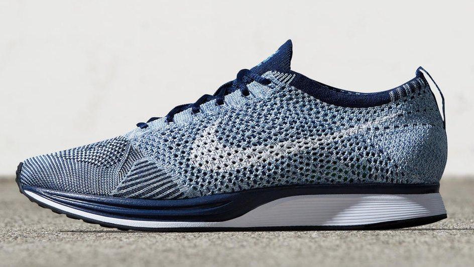 """Zapatillas para correr Nike Flyknit Racer de color celeste """"Navy"""""""
