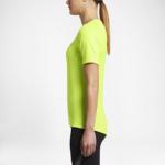 Remera Running Nike Zonal Cooling Relay manga corta para mujer - color volt